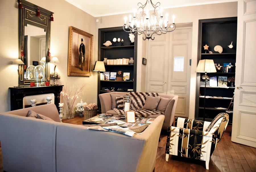 r server une chambre d 39 h tel niort. Black Bedroom Furniture Sets. Home Design Ideas